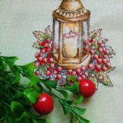 Фонарь с ягодами